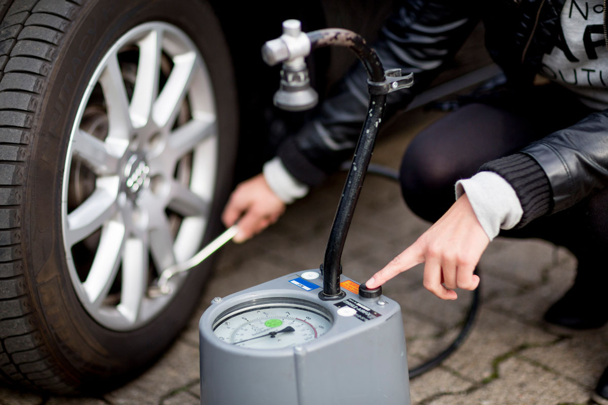 Topgomme controlla pressione pneumatici
